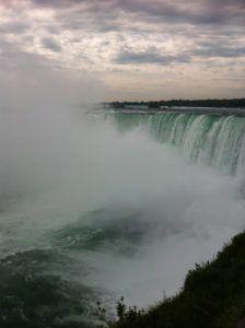 Horseshoe_Falls_Niagara_Falls