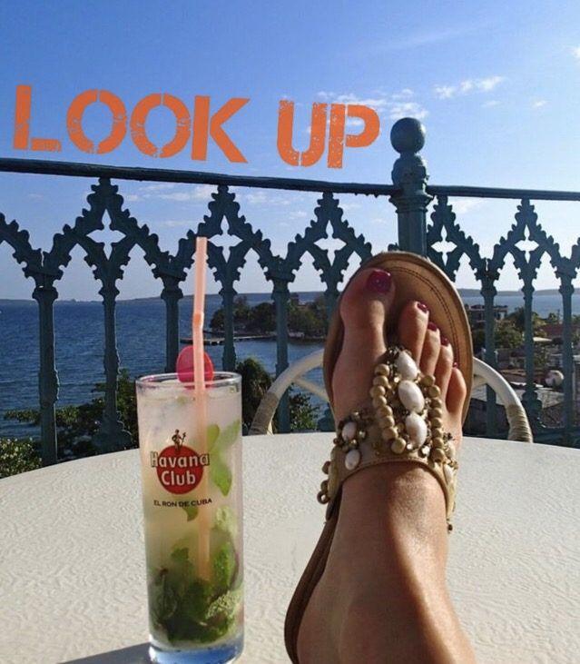 Look Up a la cubana – Look Up Cuban Style
