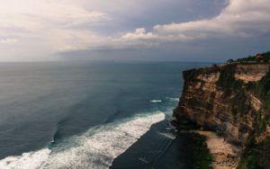 Uluwatu_Beach_Bali_Indonesia