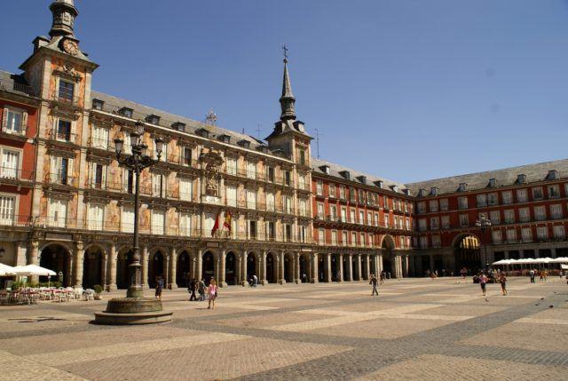 Plaza_Mayor_Madrid_Spain