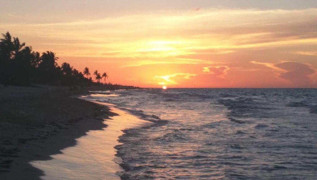 Sunset_Playas_del_Este_by_Camilo_Garcoa_Lppez_Trigo