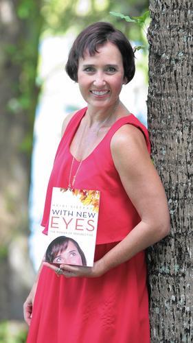 Author_Heidi_Siefkas_talks_to_Sun_Sentinel