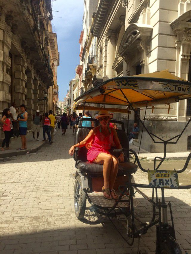 Heidi_Siefkas_Bici-Taxi_Old_Havana_Cuba