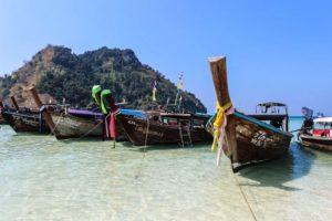 Krabi_Thailand_Beach_and_Boats
