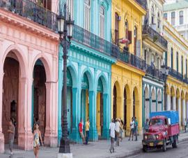 Colorful_Havana_Cuba_Street_near_Capitol