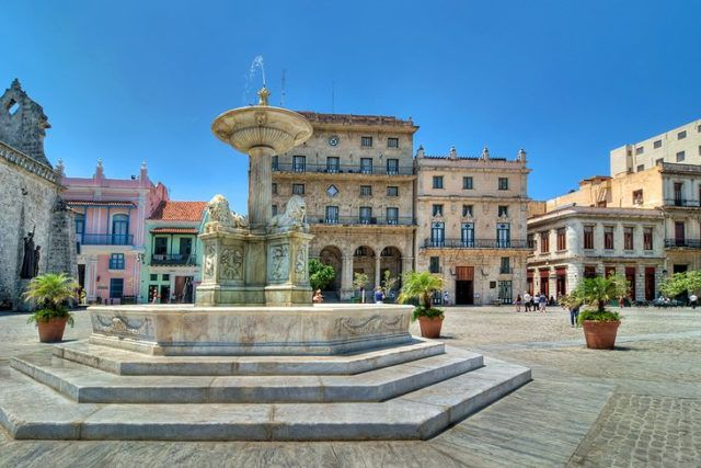 cuba-old-havana-plaza-de-san-francisco