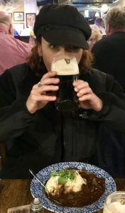 Heidi_Siefkas_Dublin_Ireland_Sipping_Guinness