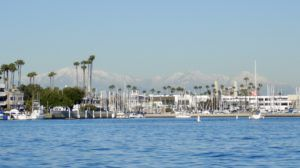 Long_beach_view_of_mountains
